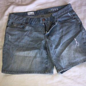 Gap sexy boyfriend shorts size 30 (10)